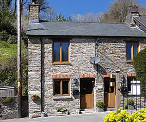The Bolthole self catering holiday cottage near Buckland Abbey