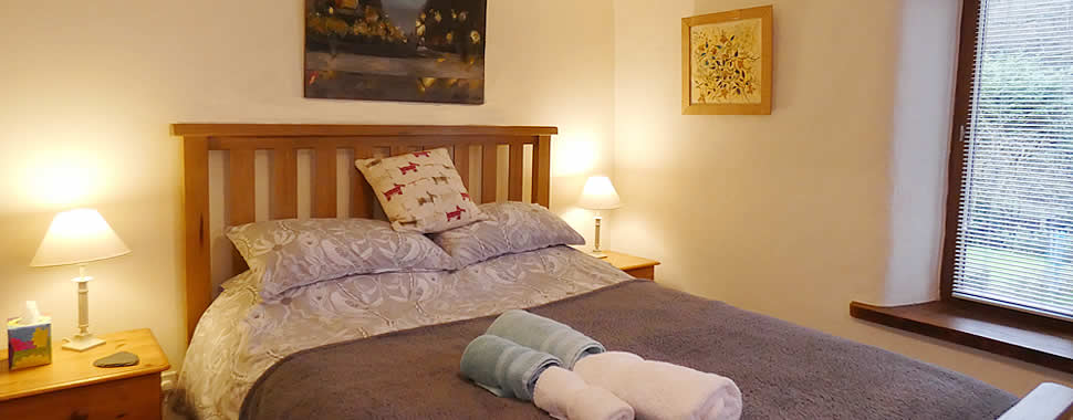 A warm welcome awaits you at The Bolthole, self catering holiday cottage in Milton Combe near Buckland Abbey