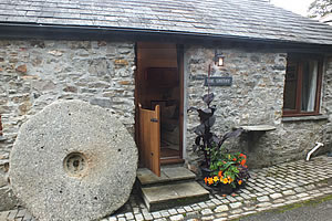 The Smithy located on a quiet country lane with direct access to Dartmoor